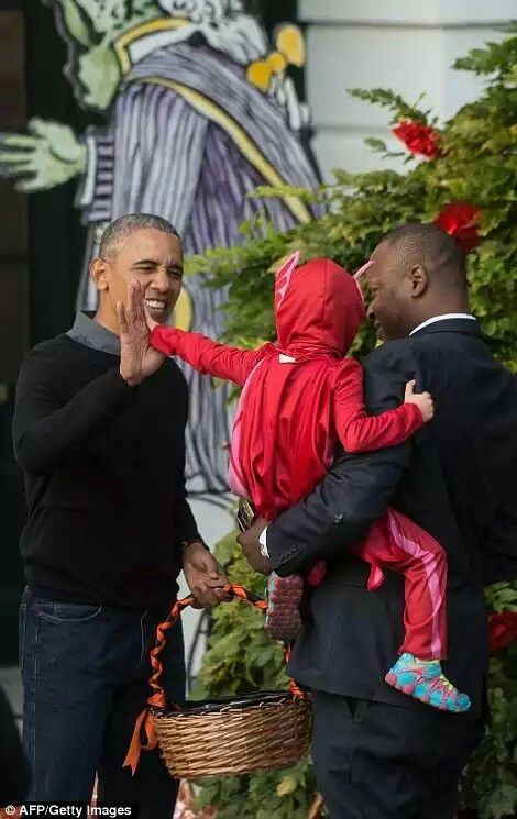 he White House's Halloween parties for kids began during the Kennedy administration, but were opened up to local children in 1969 by Richard Nixon. They have continued on and off since then Read more: http://www.dailymail.co.uk/news/article-3891874/Barack-Michelle-Obama-perform-Michael-Jackson-s-Thriller-dance-hand-candy-kids-White-House-Halloween-party.html#ixzz4OiEHTWPV Follow us: @MailOnline on Twitter | DailyMail on Facebook