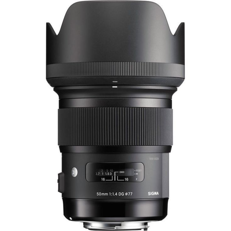 The Nikon F mount Sigma 50mm f/1.4 DG HSM Lens is a fast standard-length prime designed to achieve high optical performance through the incorporation of both three Special Low Dispersion glass element