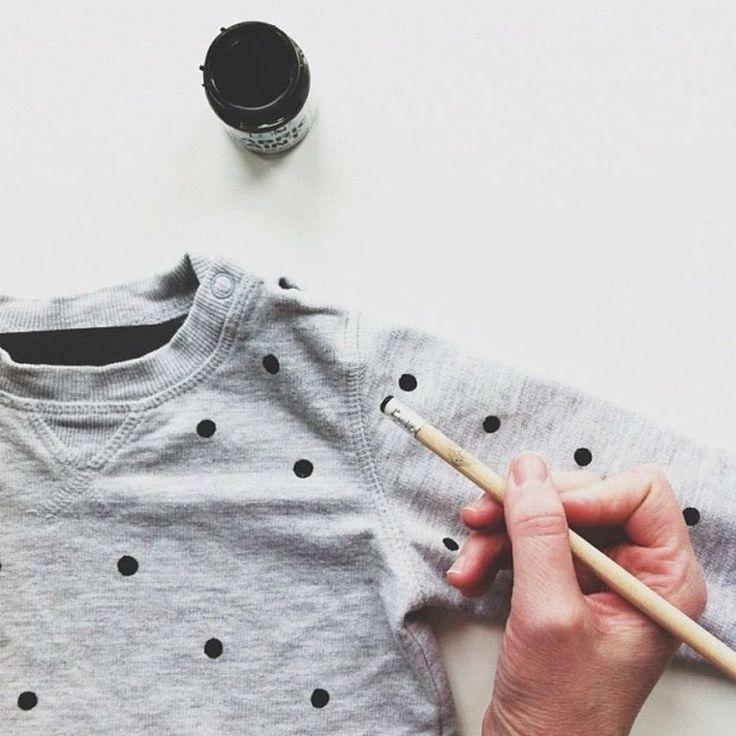Truco para pintar ropa: ¡Haz lunares con una goma de borrar!