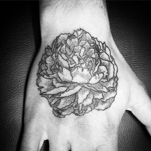 25 best ideas about tatouage dotwork on pinterest. Black Bedroom Furniture Sets. Home Design Ideas
