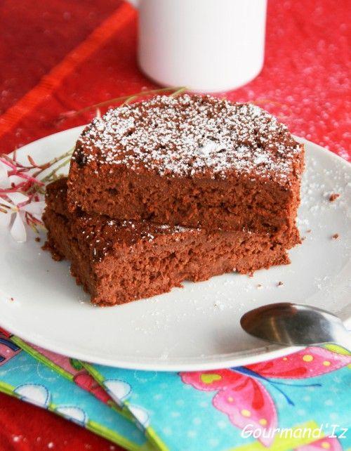 Gâteau Vegan Fort en Chocolat / lien direct ➔ http://gourmandiz.hautetfort.com/archive/2013/09/25/gateau-vegan-compote-de-pommes-chocolat-5181055.html