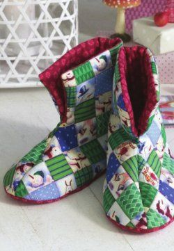 Quilted (Christmas) Booties, free pattern and tutorial.