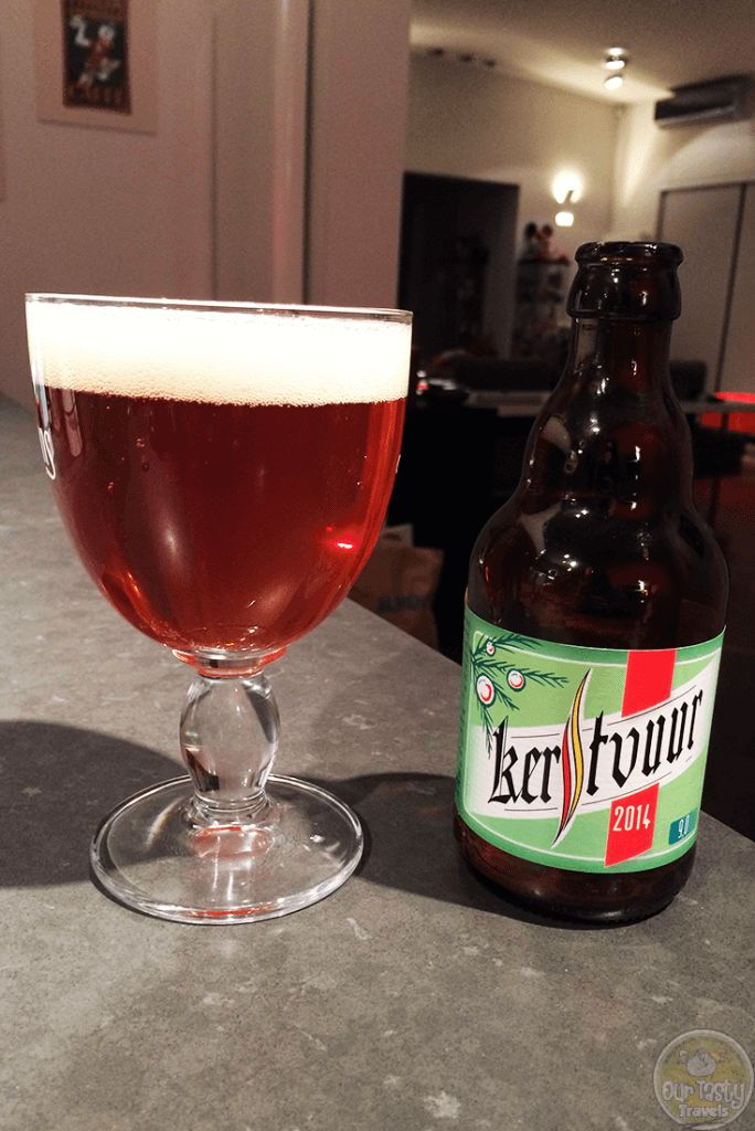 13-Dec-2015: Kerstvuur (2014) by Brouwerij Pirlot. 9% ABV in a 33cl bottle. A blonde ale, on the sour side! Quite a surprise. A very pleasant surprise. #ottbeerdiary #ottadvent15