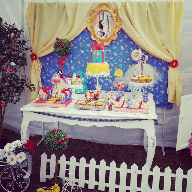 """Photo 25 of 36: Snow White / Birthday """"Snow White Party Francceesca 4 años"""" 