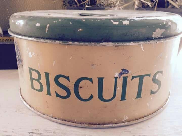 Biscuits. Sød gammel dåse. Fransk landstil og vintage. Hvidt & Slidt, Studiestræde 3, 4300 Holbæk