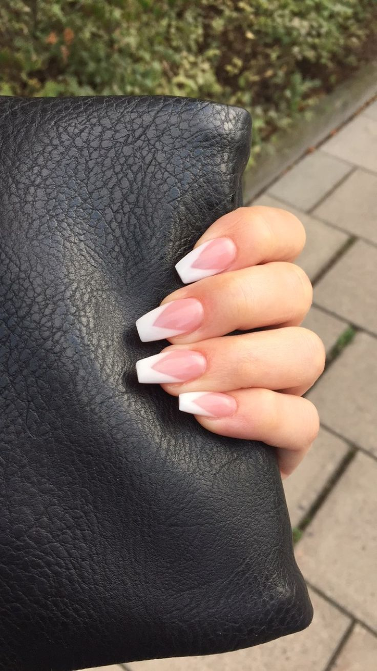 Cool french manicure