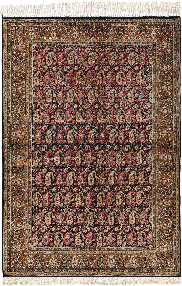 Schuler Auktionen Zürich     Ghom-Seide Z-Iran, um 1960  108x155 cm (ft. 3.6x5.1).