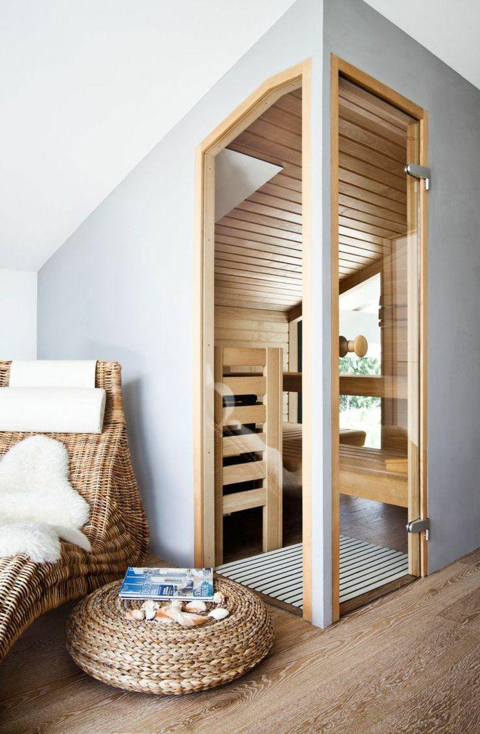 kleine Spa-Zone  auf dem Dachboden  sehr attraktiv  Holz  Fliesen in Holzoptik - Flechtmöbel