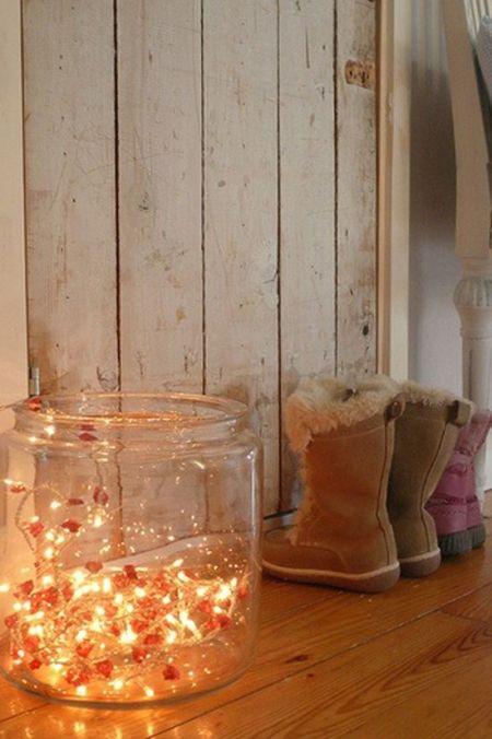 Τα χριστουγεννιάτικα λαμπάκια δεν προορίζονται μόνο για το δέντρο! Δείτε μερικές πρωτότυπες ιδέες διακόσμησης για όλο το σπίτι!