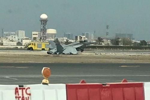 Crash Landing Of U.S. F-18 Fighter Jet Closes Bahrain's International Airport http://betiforexcom.livejournal.com/27719613.html  A US F-18 fighter jet crash landed at Bahrain's international airport Saturday, causing the complete closure of the island's main commercial flight hub. Photos and brief video footage quickly posted online shows a badly damaged but intact jet with its tail on the ground and nose in the air in a gravel area located completely off the runway.According to a statement…
