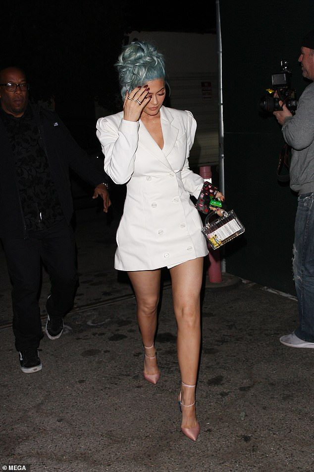 Kylie Jenner And Travis Scott Step Out For New Year S Eve Dinner With Images Kylie Jenner Look Fashion