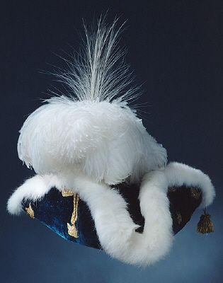 Courtesy of The Royal Armoury. // Adolf Fredriks kröningshatt buren vid kröningen den 26 november 1751. // Adolf Fredrik's crowning hat, worn at the coronation November 26, 1751.