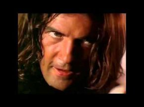 ▶ Antonio Banderas - Cancion del Mariachi (Morena de Mi Corazon) Official video - YouTube