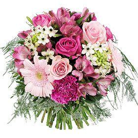 Petit prix et grande émotion, le bouquet Pinky, donnera le sourire à la mariée ou éblouira à merveille vos centres de tables ! Bouquet composé de Germini rose pâle, Rose aqua, Oeillet rose fushia, Alstromeria rose, Ornithogalum, Rose Titanic, Feuillage pistache, Asparagus plumosus. http://www.mariage.fr/bouquets-fleurs-fraiches-mariage.html