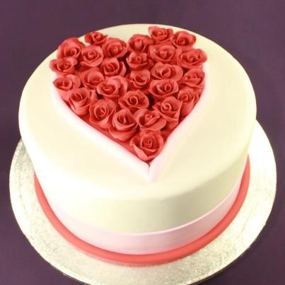 Best Valentine Cake Images : 31 best images about Valentines cakes on Pinterest