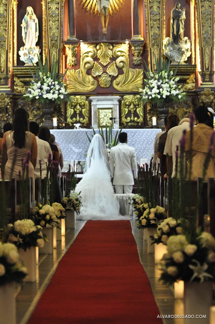 Iglesia de Santo Toribio, Boda Ana Maria y Fernando.Wedding In Cartagena #teambride #weddingplanner #colombia