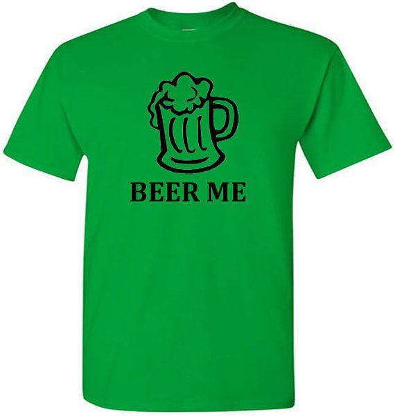 Jaime boire de la bière, je marrête jamais qui a inspiré ce amateurs de bière t-shirt. Si vous le même sentez fièrement les porter surtout sur St. Pattys Day.  Merci pour regarder:)  T-Shirt graphique taille (pouces)  S M L XL 2XL 3XL  28 29 30 31 32 33 longueur (en haut du col à lourlet inférieur) 18 20 22 24 26 28 largeur (aisselle à aisselle)  Comment est expédié le paquet ?  Seul T-shirt commandes sont expédiées par USPS First Class Mail. Plusieurs commandes de T-shirt sont envoyés par…