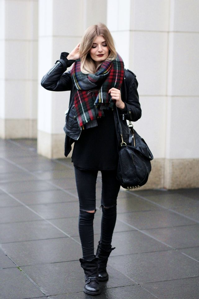 Deutscher-Modeblog-German-Fashion-Blog-Black-Outfit-Lederjacke-1
