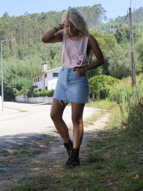 California Outfit in I Walk in Starlighl  Botas/ Saia Jeans/ Rosa Pastel  *Clique para acessar o blog e ver mais looks*