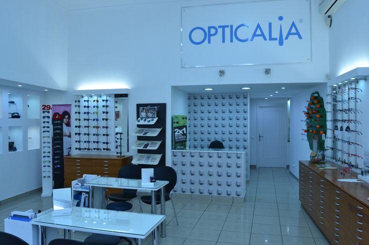 ÒPTICA OPTICALIA -FUTUR VISIÓ - ulleres graduades, ulleres de sol, lents de contacte, per a tota la família, revisions oculars - c/Murta,3 , Inca, Mallorca