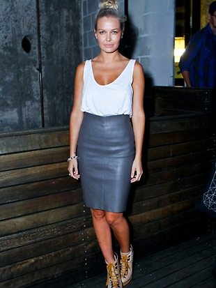perfect night out. leather high waisted skirt and loose tank