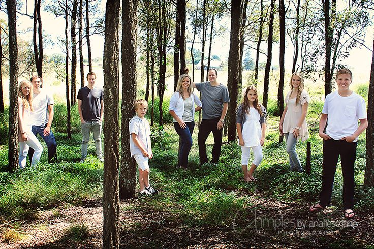#Large #family group photo ideas www.dimplesbyanaliesejane.com