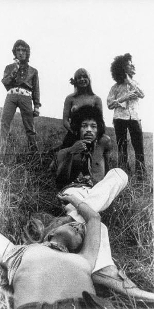 The Jimi Hendrix Experience and the beauties