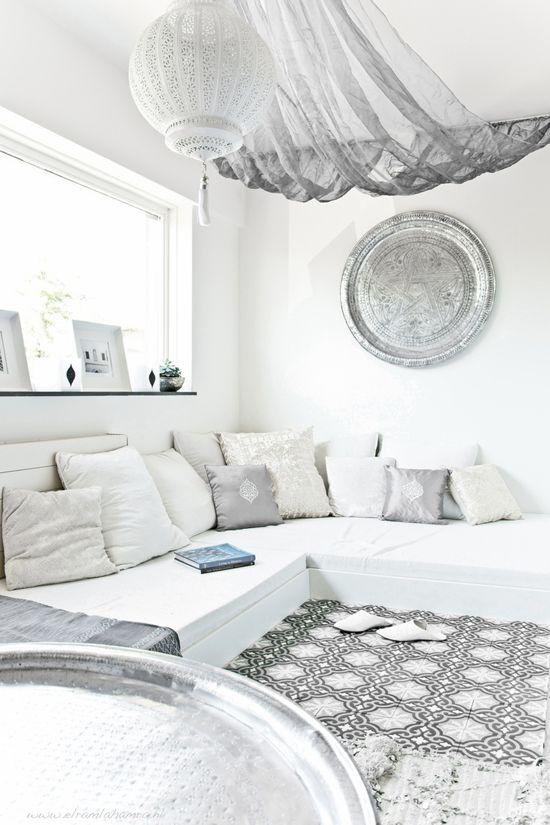 25 beste idee n over marokkaanse woonkamers op pinterest marokkaanse interieurs marokkaanse for Deco volwassen kamer design