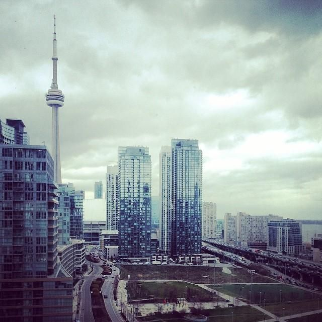 The CN Tower stands tall on a gloomy day in #Toronto. Photo courtesy of mybeautifulpari on Instagram.
