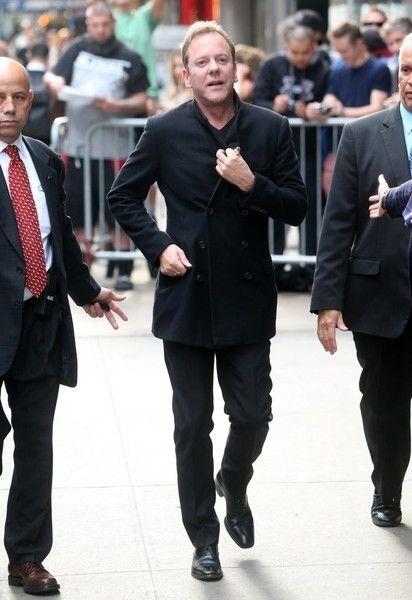 Kiefer Sutherland Photos Photos - Celebrities make an appearance on 'Good…