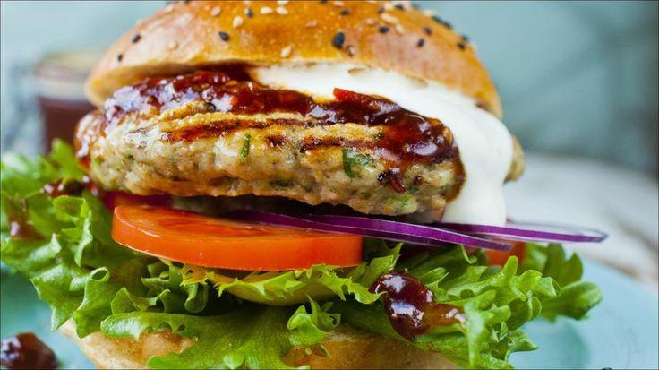 Saftig kyllingburger med lime og koriander