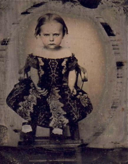Daguerreotype from Civil War period. I love her determined little face. Her…