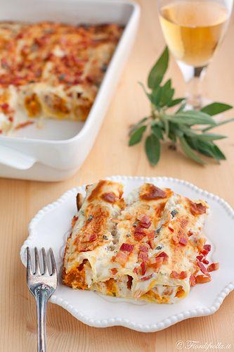 Cannelloni alla Zucca con Salsa alla Ricotta, Bacon e Salvia