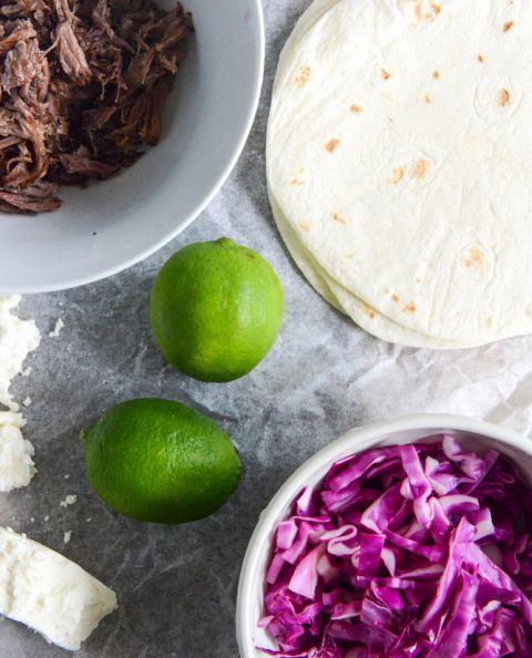 Crockpot Smoky Brisket Tacos with Shredded Cabbage + Sweet Corn I howsweeteats.com
