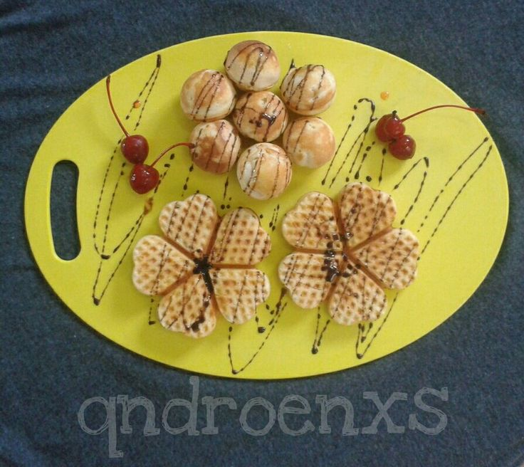 Eggless waffle and pofertjies