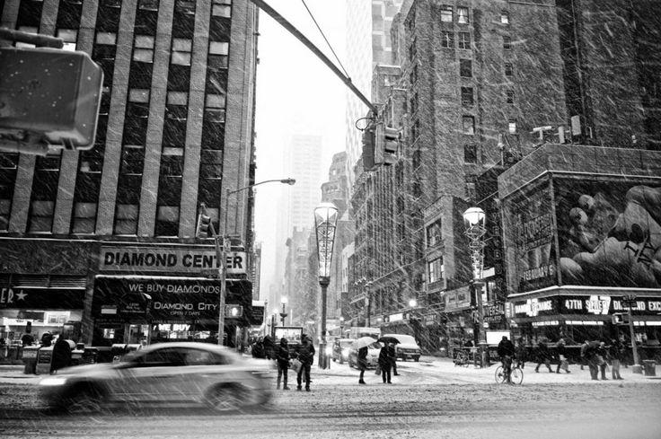 New York, tempesta di neve mai vista: coprifuoco e città sospesa FOTO e VIDEO | Blitz quotidiano