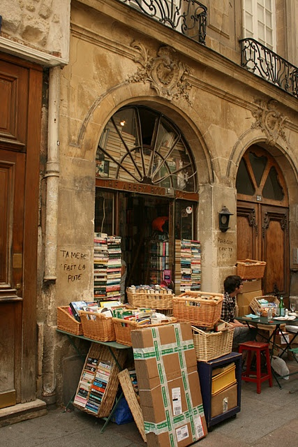 BOOKSHOP IN PARIS
