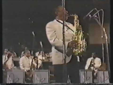 Honoring Johnny Hodges who passed away today in 1970.  Black Butterfly - Johnny Hodges Alto Sax - YouTube