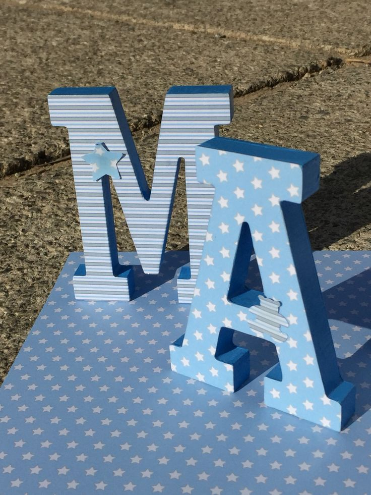M s de 25 ideas fant sticas sobre letras de madera for Vinilos infantiles con nombre baratos