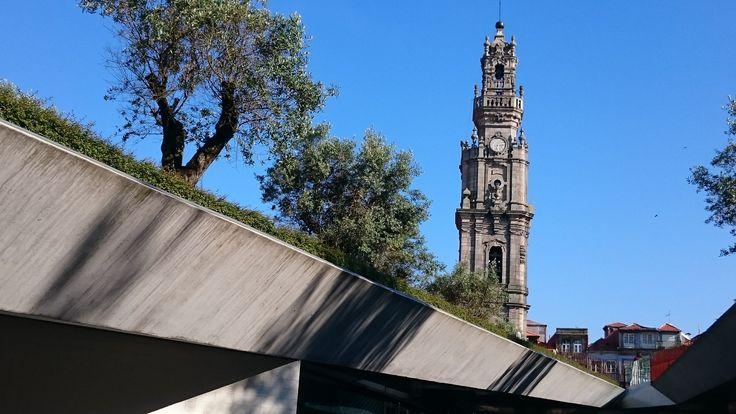 O antigo e o recente  Porto   Portugal