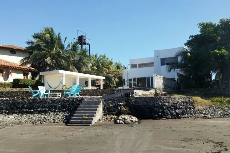 Casa en Aposentillo, Nicaragua. Modern two-story minimalist style home with infinity pool on the beach! Direct access to the beach.  Fully loaded home with 24-hour security, ac in every room, plates, glasses, cooking ware, bbq, cable tv in everyroom, wifi, etc. Kitchen with appl...