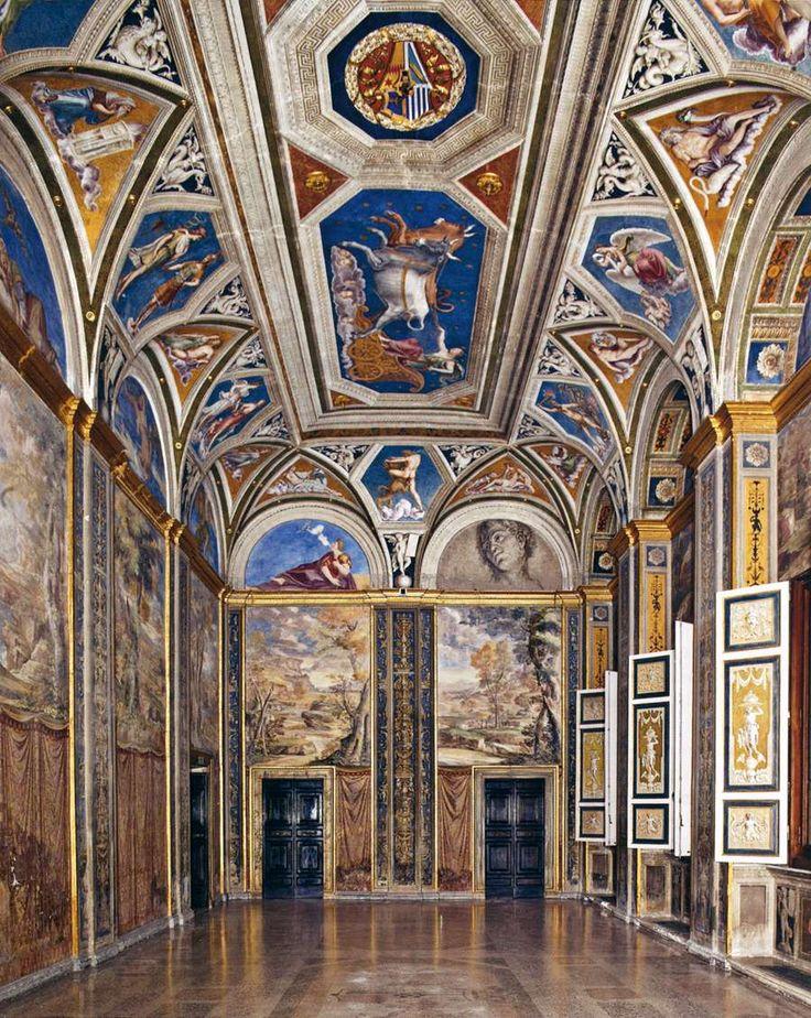 Villa farnesina frescoes by raphael giulio romano and for Architecture renaissance