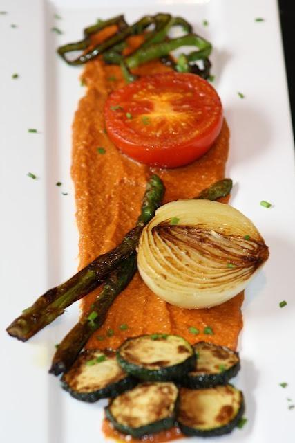 parrillada-verduras-salsa-romesco