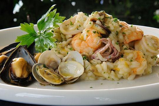 Risotto ai frutti di mare  Risotto with seafood..  Gnam gnam