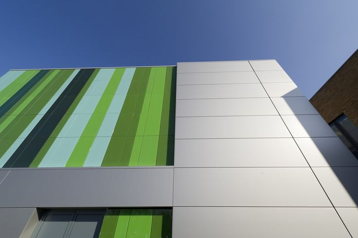 Healthcare | BENCHMARK by Kingspan | Evolution Panel | Metallic Silver | Wall | Facade