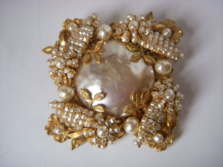 Gorgeous Miriam Haskell vintage brooch
