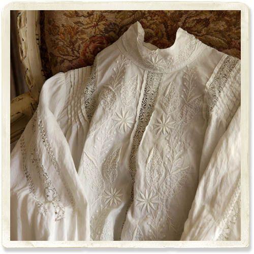 アンティークホワイトワークブラウス - 【Belle Lurette】ヨーロッパ フランス アンティークレース リネン服の通販