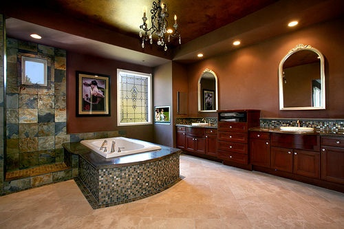 Beautiful homes inside and out inside beautiful homes for Beautiful houses interior bathrooms