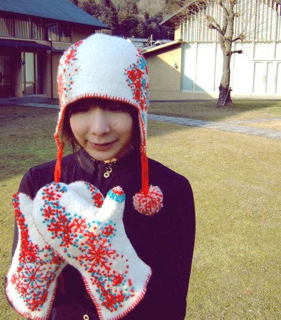 yuki gloves & hat by dadaya on Etsy