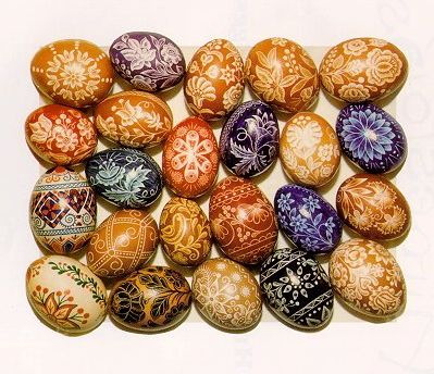 A variety of traditional hímestojás, Hungarian Easter eggs.